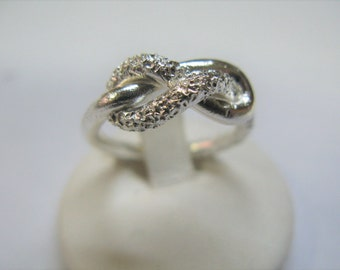 love knot ring made of Silver 925