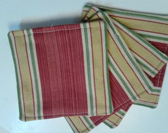 Red Green Gold Mug Rugs, Fabric Reversible Coasters, Dining Table Decor, Set of 4 Mug Rugs, Table Decor, Kitchen Decor, Red Gold Mug Rugs,