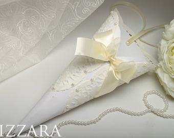 Paper Cone Rice Wedding Petal Cones Confetti wedding paper cones ivory Wedding gold royal ideas Wedding Cone Rice Tossers Paper set Wedding