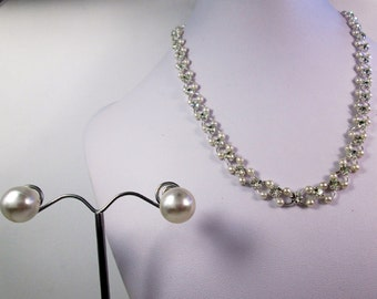 Simple Small Pearl Chainmail Necklace Pearl Stud Earrings Pearl Statement Jewelry Set Simple Chainmaille Crystal Pearl Necklace Pearl Studs
