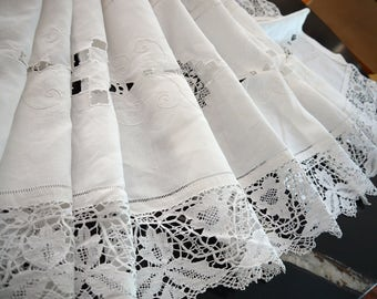 Brussels lace, linen cloth, drap de Lin, fantastic bed Cap