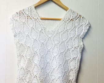 Vintage white knitted top