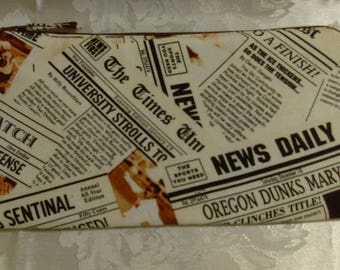 Free shipping newspaper pencil case with black zipper 100% Cotton
