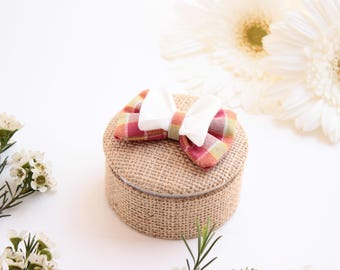 Box wedding & engagement, Burlap, pink, green and white bow.