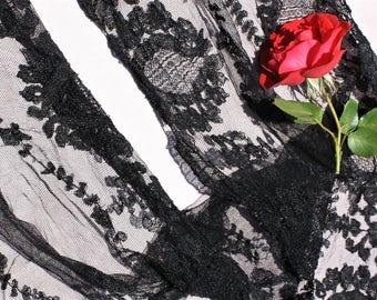 Spanish Mantilla Black Lace 1950's