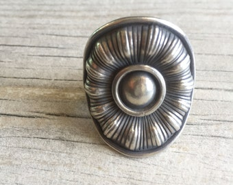 Big flower ring, flower silver ring, chunky flower ring, chunky silver ring, big round silver ring, big round flower ring