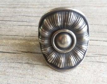Big flower ring, flower silver ring, chunky flower ring, chunky silver ring, big round silver ring, big round flower ring