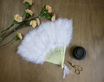 1950s Feather Fan / Marabou Feather Fan / Ostrich Feather Fan / Burlesque Fan / Bridal Accessories / White Feather Fan