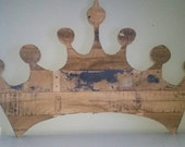 Princess crown. Pallet art.wall decor. Distressed wood . reclaimed wood. Headboard. gold/white/pink