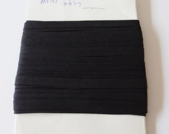 "Card of vintage black cotton bias binding 1/2"" or 12mm wide"