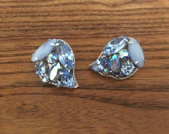 Weiss Shades of Blue Rhinestone with Silver Tear Drop Earrings 1155