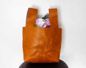 small leather tote bag ー all in one