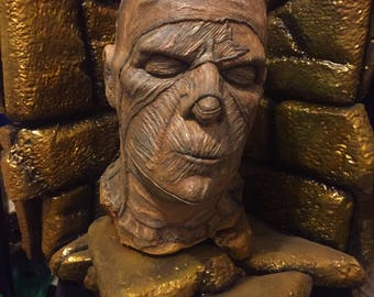 Mummy Head Gold Brick Display