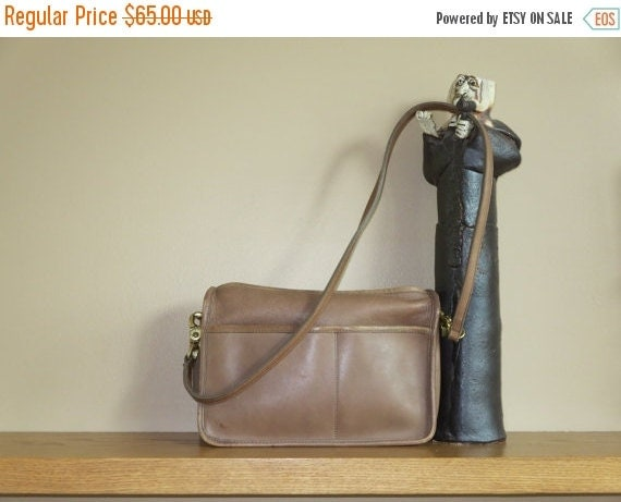 Football Days Sale Coach NYC Putty Leather Companion Shoulder Bag Clutch - Coach Creed # 277-9717 -Made in New York City U.S.A. -Good Condit
