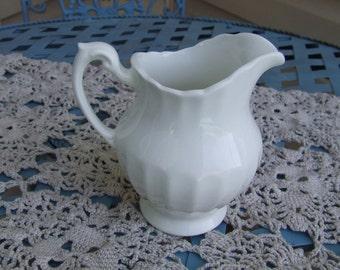 Vintage J & G Meakin Creamer, White Ceramic Creamer, Ceramic White Vase, Ceramic Jug, Made in England, Cottage Chic Pitcher, Decor