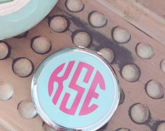 Monogrammed compact mirror, monogrammed bridal party gift, monogrammed mother's day gift, monogrammed stocking stuffer, makeup mirror
