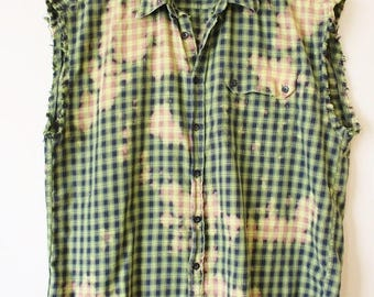 Splatter Bleached and Distressed Vintage 90's Sleeveless Green Cotton Plaid Shirt  Large