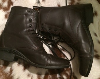 Vintage Ariat Womans US 8B/39M Black leather granny/grunge lace up boots
