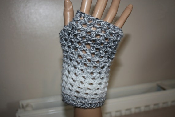 Lace Wristlets Knitting Pattern : Instant Download PDF Knitting Pattern, Fingerless Gloves ...