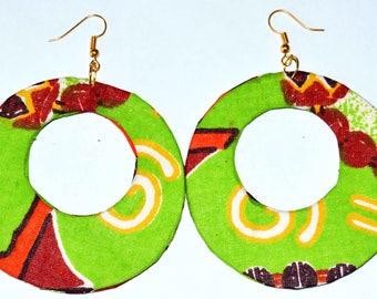 Earrings pierced in African tisssu