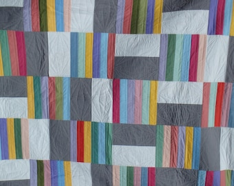 modern quilt, queen size quilt, double bed quilt, gray quilt, gray and white quilt