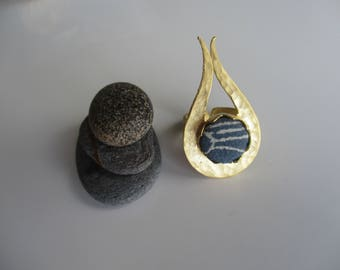 Gold plated brass ring with Japanese vintage silk kimono fabric - Slate blue and white