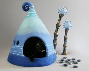 Cat cave, Cat bed,  Felted cat house, Blue, Turquoise, Pet house, Felt cat cave, Natural wool, Eco friendly, Fantasy cat cave