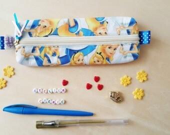 Trousse à crayons en coton thème Alice au pays des merveilles