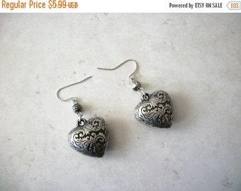 ON SALE Retro Silver Black Textured Puff Heart Earrings 112316