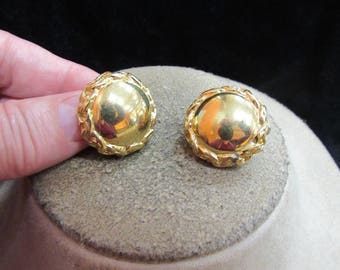 Vintage Pair Of Signed Trifari Goldtone Clip Earrings