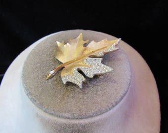 Vintage Goldtone & Clear Rhinestone Leaf Pin