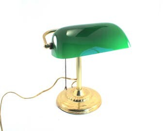 Vintage green glass banker's lamp - gold-tone brass metal, pull chain, piano lamp, desk lamp
