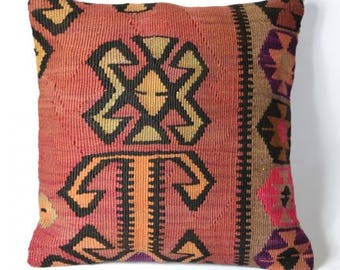 Old kilim cushion pink