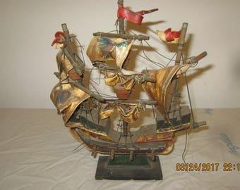 vintage model ship Santa   maria needs tlc