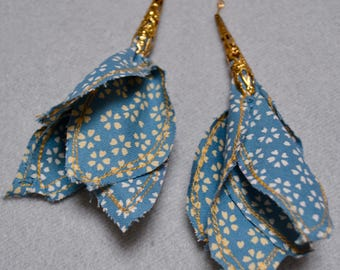 Dangling earrings fabric and metal
