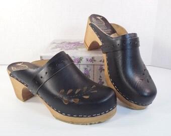 Vintage MenGen Swedish Clogs Size 39 US Size 8 Size 8.5 8 1/2 Black Leather Platform Wood Holie Soles Made In Sweden Orthopedic Mules Slides