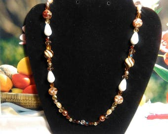 chocolate swirl beaded necklace