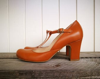 Vintage Mary Janes heels Leather shoes Pumps