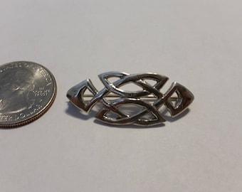 Vintage sterling silver Celtic pin baer