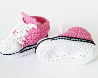 Pink baby booties, Newborn shoes, Baby girl booties, Baby shower gifts, Crochet baby shoes, Baby shoes girl, Soft sole baby shoes