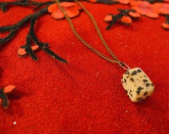 Women Pendants naturals stone