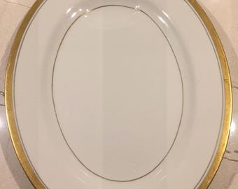 "Theodore Haviland New York Berkeley 12"" Platter"