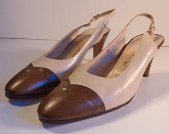 FERRAGAMO vintage sling backs// Luxury design Italian leather closed toe brown traditional heel pump// Women size 8-8.5