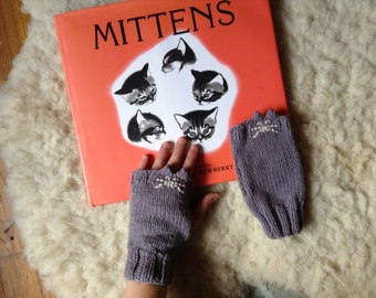 Kitty Mitties, Available in Child or Adult sizes, fingerless gloves, mitts, vegan, mittens, kitty, kittens, cat, hand knit