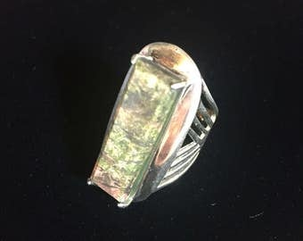 Large sterling silver ring with stone, size 6.25, weight 10.6 grams