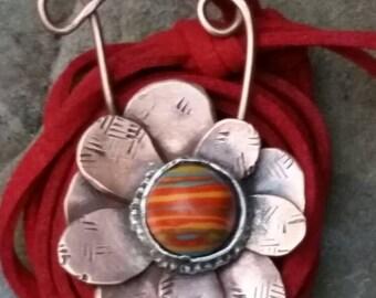 Colorful copper flower necklace. Copper pendant necklace. Flower necklace. Daisy necklace. Boho necklace. Boho jewelry. Red necklace.