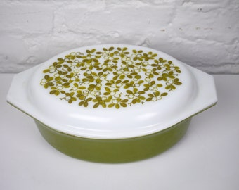 Pyrex Verde Olive Green 2.5 Quart Casserole Dish 045