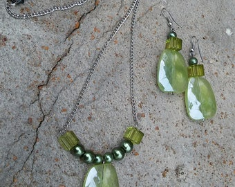 Spring Green Necklace and Earrings