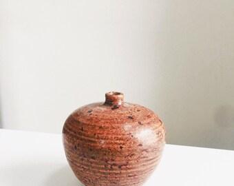 Faixa Tawny SolitairevBomb Vase