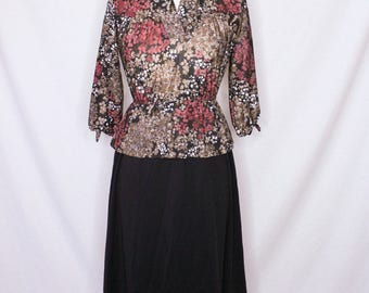1970s Vintage Long Sleeve Floral Black Dress.Size Small